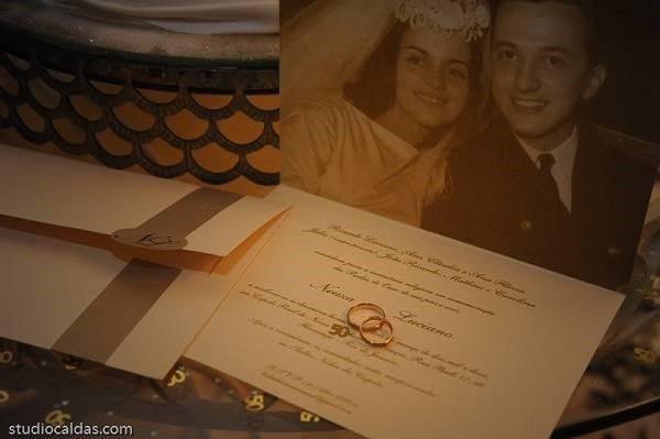 Convite- de- bodas- de- ouro- moderno- 18
